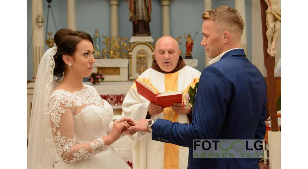 Zsuzsa és Mózes esküvője